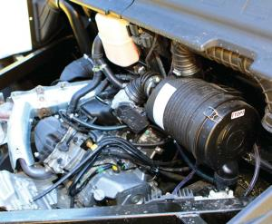 2016.can-am.defender.close-up.engine.jpg