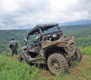location.2016.burning-rock.west-virgina.polaris-rzr.parked.by-overlook.jpg