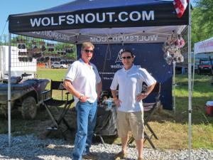 vendor.2016.wolfsnout.group-photo.at-vendor-tent.jpg